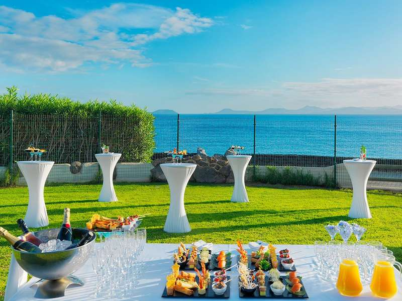 Sejur Tenerife si Lanzarotte martie 2018 bilet de avion si hotel inclus