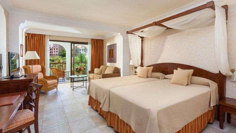 Sejur Tenerife vacanta octombrie 2017 bilet de avion si hotel inclus