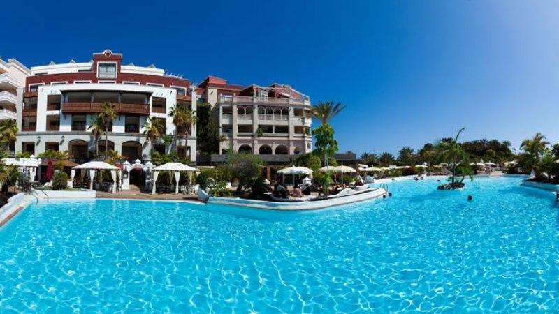 Sejur Tenerife vacanta septembrie 2017 bilet de avion si hotel inclus