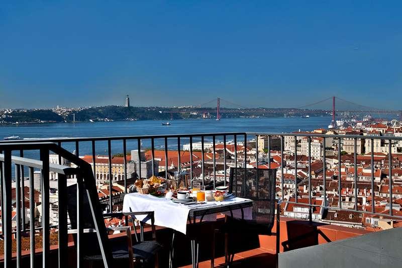 Sejur 2 in 1 Lisabona si Madeira septembrie 2018 bilet de avion si hotel inclus