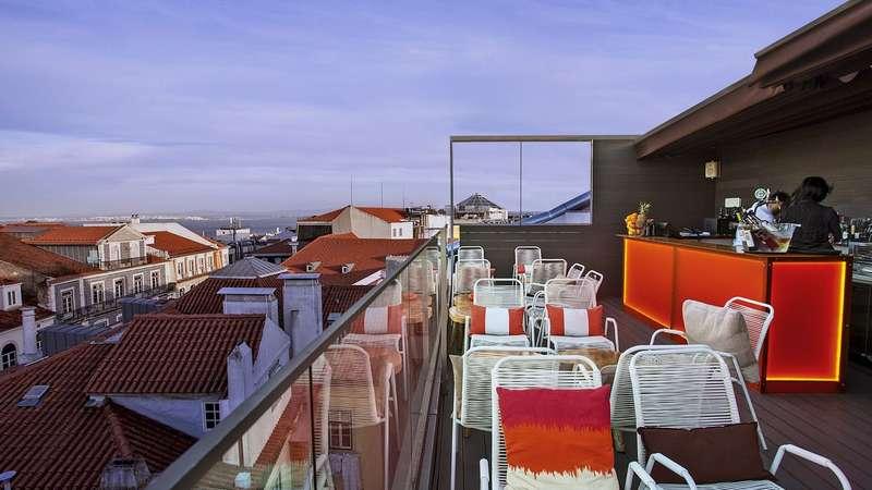 Sejur 2 in 1 Lisabona si Madeira mai 2018 bilet de avion si hotel inclus