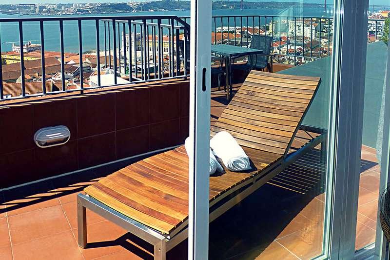 Sejur 2 in 1 Lisabona si Madeira mai bilet de avion si hotel inclus