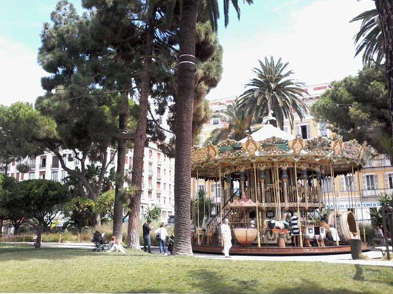 Sejur Coasta de Azur Cannes august bilet de avion si hotel inclus