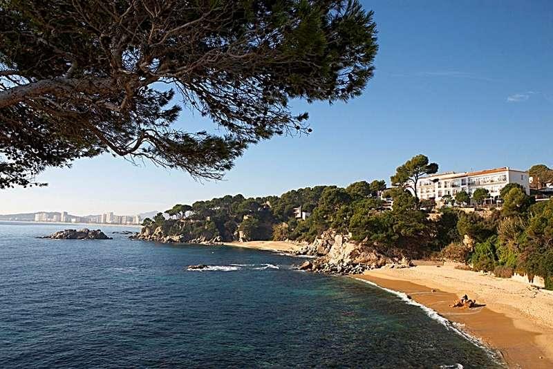Sejur Costa Brava Spania septembrie bilet de avion si hotel inclus