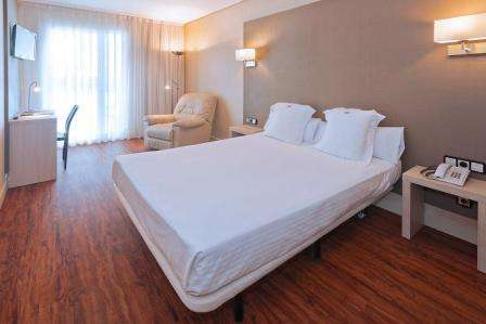 Sejur Costa Dorada-Spania august 2017 bilet de avion si hotel inclus