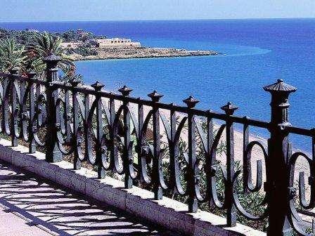 Sejur Costa Dorada-Spania august  bilet de avion si hotel inclus