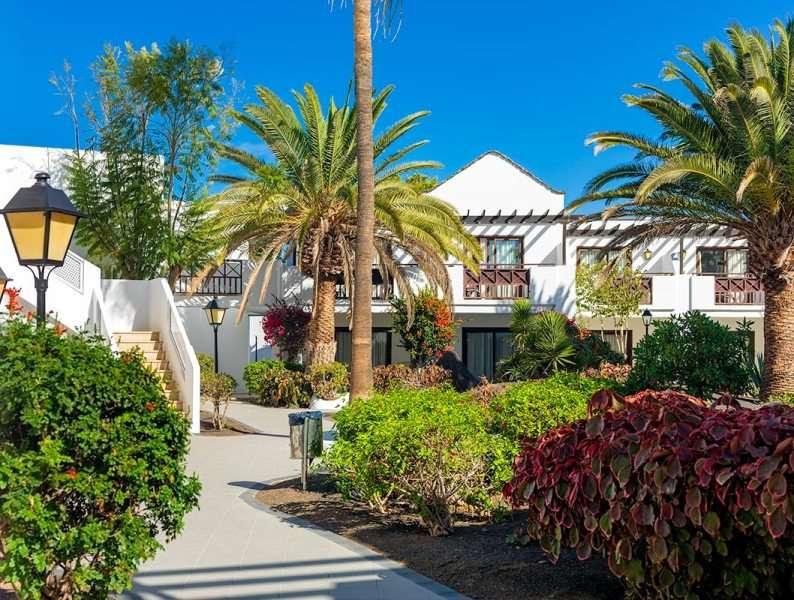 Sejur Lanzarote iunie 2018 bilet de avion si hotel inclus