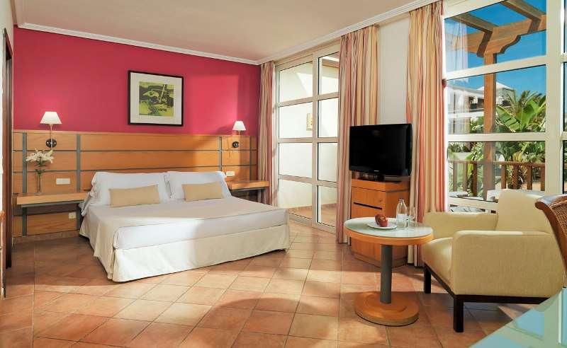 Sejur Insulele Canare Lanzarote august 2017, bilet de avion si hotel inclus
