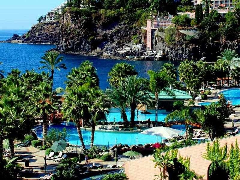 Sejur Portugalia Madeira august 2018 bilet de avion si hotel inclus