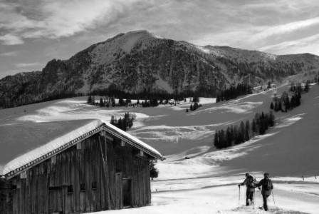 Ski Cortina Ampezzo Italia in prima luna a anului