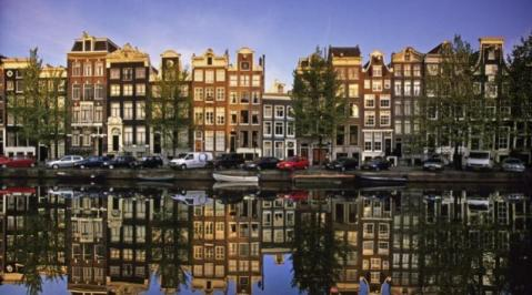 City break Amsterdam aprilie bilet de avion si hotel inclus