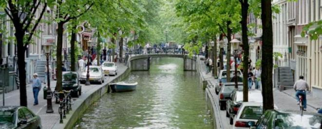 City break Amsterdam mai  bilet de avion si hotel inclus