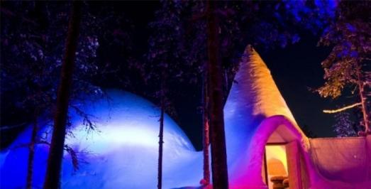 City break Aurora Boreala avionmartie 2018 hotel inclus