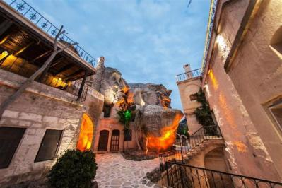 City break Cappadocia Valentine's Day bilet de avion si hotel inclus