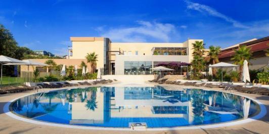 City break Coasta de Azur Nisa vacanta 1 mai 2018, bilet de avion si hotel inclus