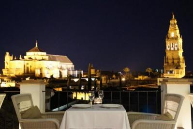City break  Cordoba Craciun 2017  bilet de avion si hotel inclus