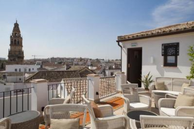 City break Cordoba weekend liber Rusalii bilet de avion si hotel inclus