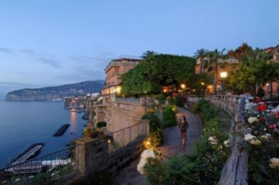City break Costa Amalfi august week-end Sf. Maria bilet de avion si hotel inclus