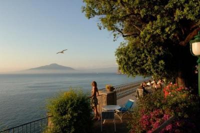 City break Costa Amalfi Revelion 2018  bilet de avion si hotel inclus