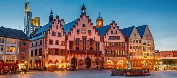 City break Frankfurt  8 martie 2018,  bilet de avion si hotel inclus