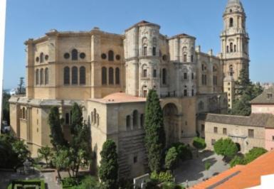 City break Malaga mai  bilet de avion si hotel inclus