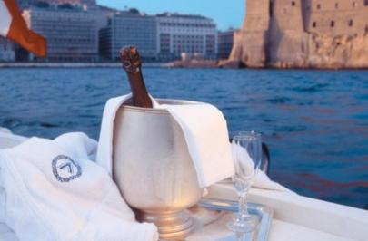 City break Napoli 8 martie 2018,  bilet de avion si hotel inclus