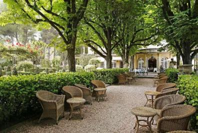 City break Provence septembrie bilet de avion si hotel inclus