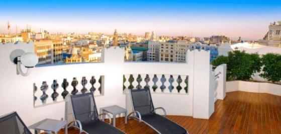 City break Valencia august week-end Sf. Maria bilet de avion si hotel inclus