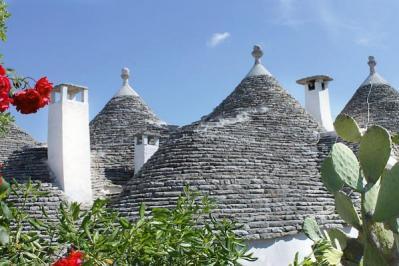 Sejur 2 in 1 Alberobello si Lecce august bilet de avion si hotel inclus