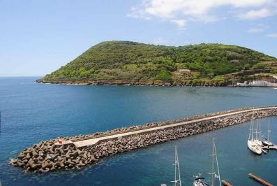 Sejur Azore august bilet de avion si hotel inclus
