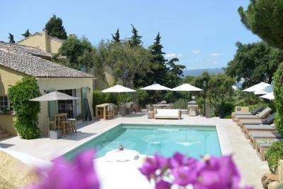 Sejur Coasta de Azur Saint Tropez mai bilet de avion si hotel inclus