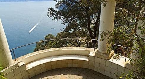 Sejur Italia Insula Capri septembrie bilet de avion si hotel inclus