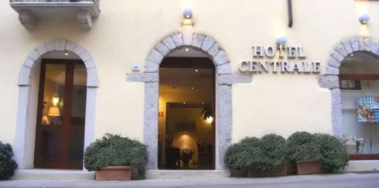 Sejur Litoral Sardinia august bilet de avion si hotel inclus