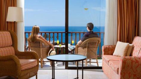 Sejur Tenerife noiembrie bilet de avion si hotel inclus
