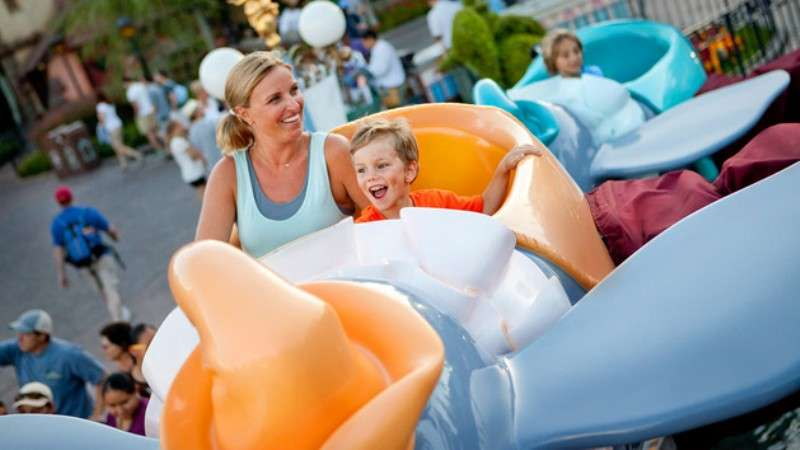 Vacanta Disneyland Paris mai 2018 bilet de avion si hotel inclus