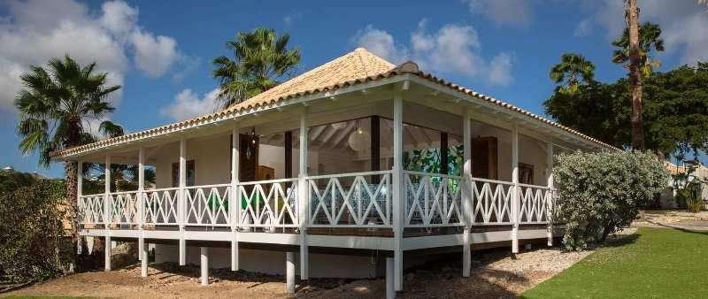 Vacanta exotica Curacao aprilie 2018