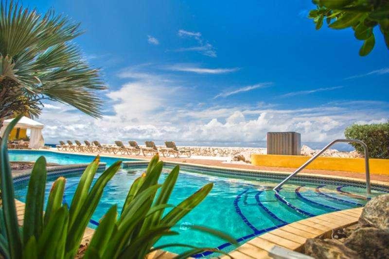 Vacanta exotica Curacao iunie